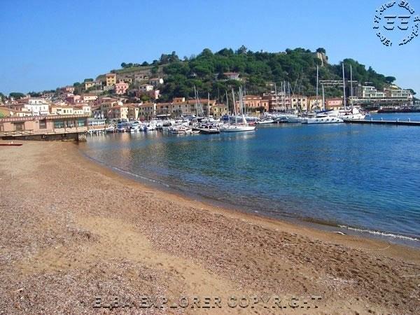 Spiaggia La Rossa Porto Azzurro Isola D Elba